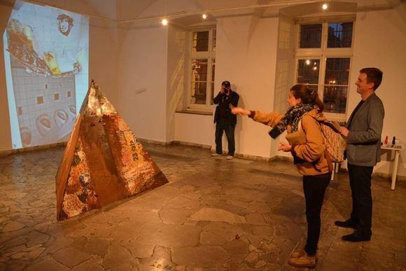 Standard large  ukasz trusewicz gra   galeria sztuki jana tarasina w kaliszu. 1